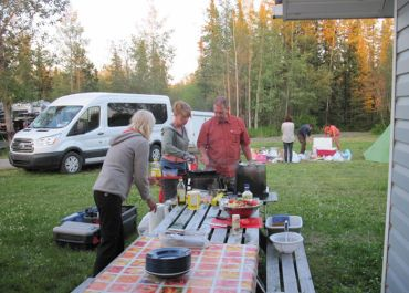 camp and picknick on tour in Canada