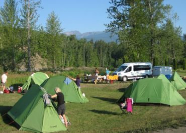 adventure tours in Canada for small groups